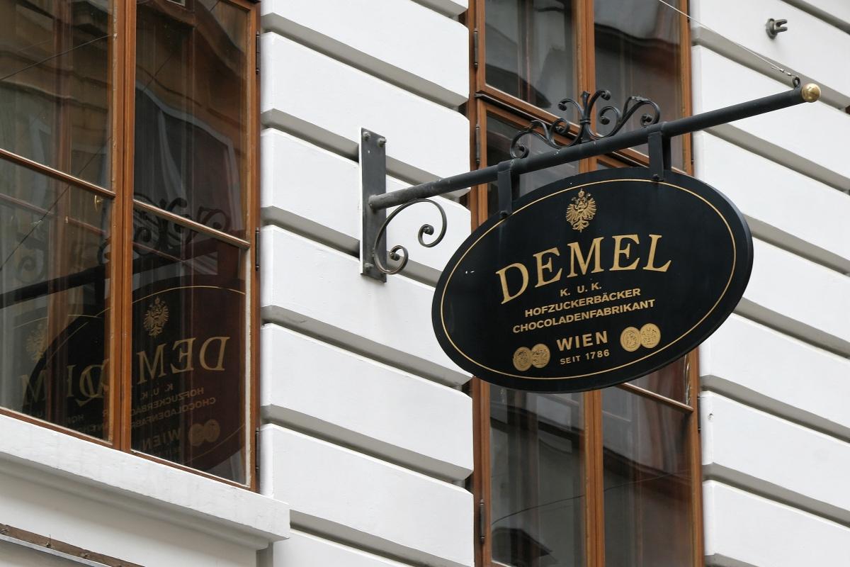 Café Demel - Viena - Wikimedia.jpg