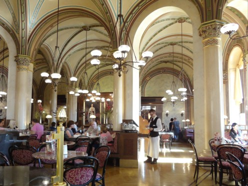 Cafe Central - Viena.JPG