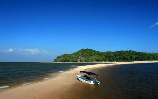 A Praia Ponta do Cururu em Alter do Chão - Foto Julia Maiorana