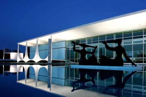 Palacio_Alvorada - Foto Thum Fel - Commons.jpg
