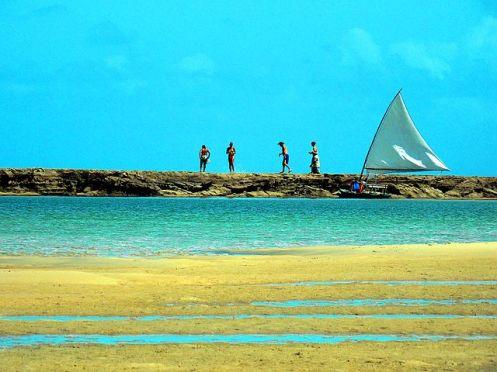 Praia de Muro Alto (Pernambuco) - Foto Beto Quissak Wikimedia