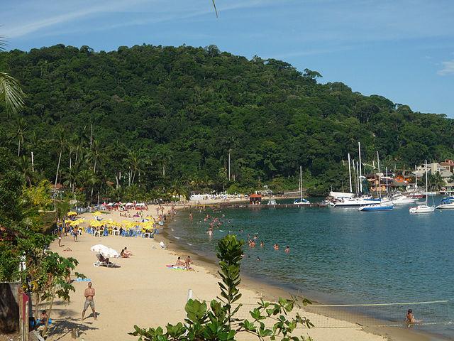 Praia Grande em Angra dos Reis - Foto Fulviusbsas Wikimedia